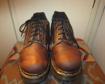 Vtg.Doc Martens Brown UK 5 US 7 Made In England