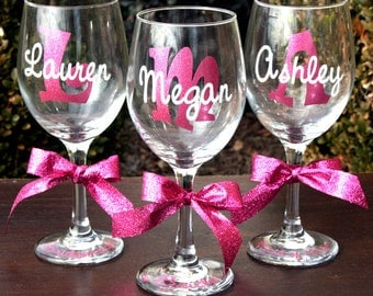10 Personalized Wine Glasses