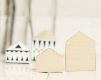 SET of 2 pcs - wooden houses, house shape, natural wood, ready to decorate,unpainted,make your own jewelry, DIY