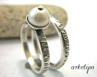 Promise Rings - Made of Sterling Silver and Pearl - Wedding Bands - Handmade - Hammered