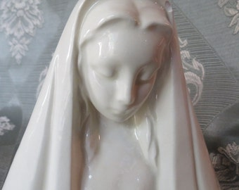 Madonna Figurine in Ivory Porcelain