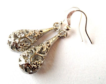 earrings Drops elegant, silver colored