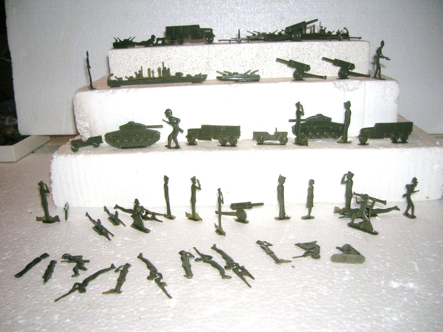 1950 S Toy Soldiers Comic Book Flats Tanks Ships Jeeps
