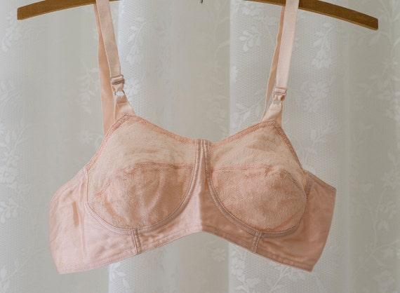 Very Sweet Vintage 1970s Pink Junior Berlei Sateen Cotton Lace Bra