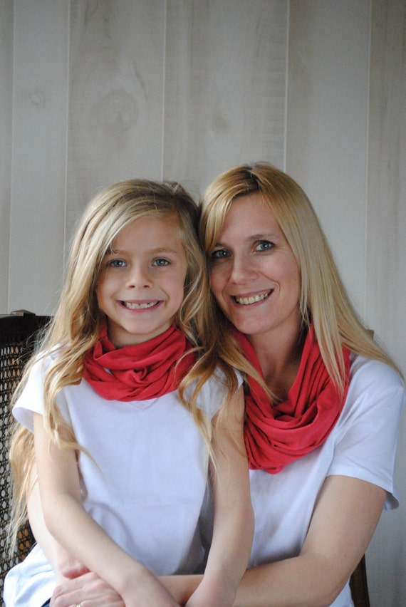 Matching Mommy and Me Infinity Scarf Set Coral  MotherDaughter Set  Mother Mother Mother Daughter Matching Scarf