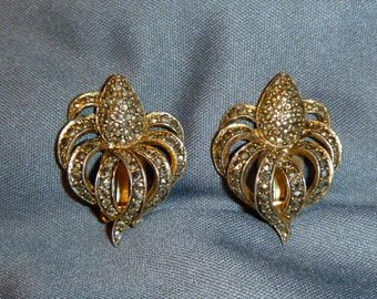 1950's Vogue Clip On Earrings