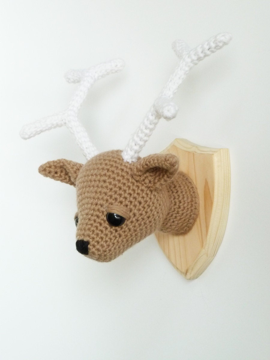 Amigurumi Deer : Faux deer taxidermy Deer head crocheted mounted deer head