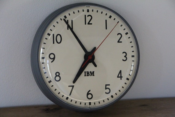 horloge murale vintage ibm avec mouvement original. Black Bedroom Furniture Sets. Home Design Ideas