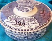 Vintage CURRIER and IVES Fashion Turn 1.25 Round Covered Casserole Dish (LID Has Crack)