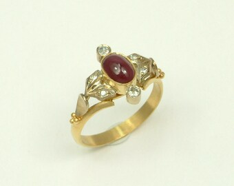 Gold 22k Ring with Ruby and Brilliants