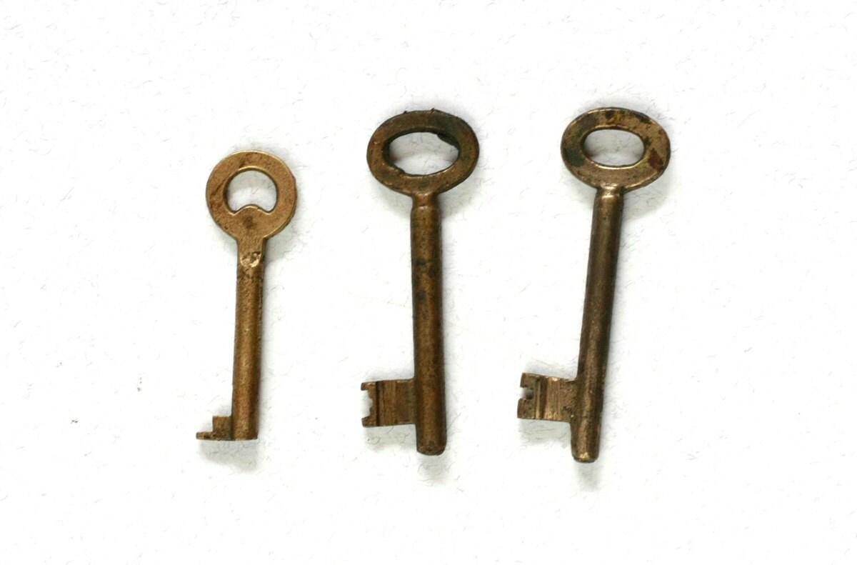 Vintage Skeleton Keys Set Of 3 Keys Mid Century Home