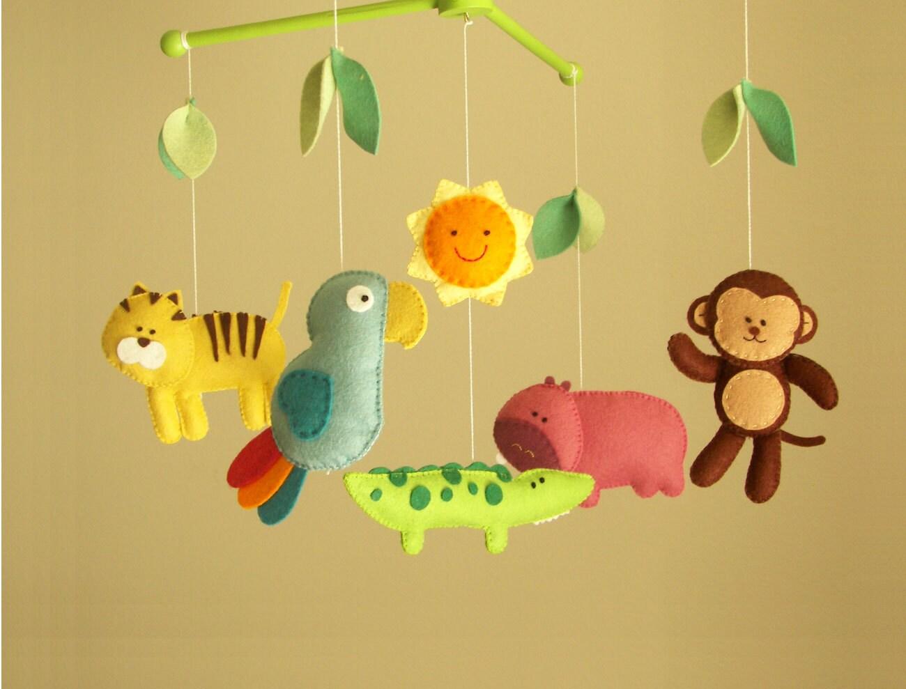 baby crib mobile jungle mobile animal mobile exploring. Black Bedroom Furniture Sets. Home Design Ideas