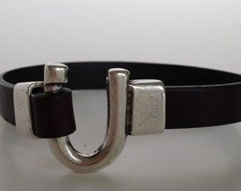 Chocolate Brown Leather Horseshoe Bracelet, Equestrian Bracelet, Leather Bangle,Brown Leather Silver Clasp Bracelet,Horseshoe Clasp Bracelet