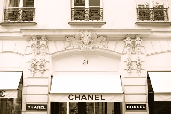 Chanel store 31 rue cambon paris france by tarynstmichele for Art decoration france