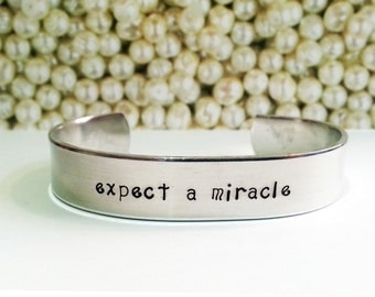 Mother's Day Gift / Daughter Gift / Friend Gift / Expect a Miracle Bracelet / Cancer Survivor Gift / Breast Cancer Gift / Miracle Bracelet