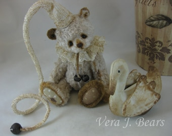 Crochet Hat for miniature artist bear or doll handmade by Vera J.Bears