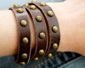 Leather Wrap Bracelet / with a row of etched spots
