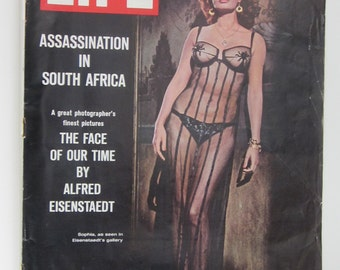 LIFE September 16,1966  Magazine-Iconic Photos by Alfred Eisenstaedt-Collectible Book-Sophia Loren