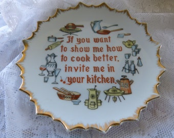 NORITAKE GIFTCRAFT JAPAN novelty plate with makers mark  vintage 50s 60s cute gift