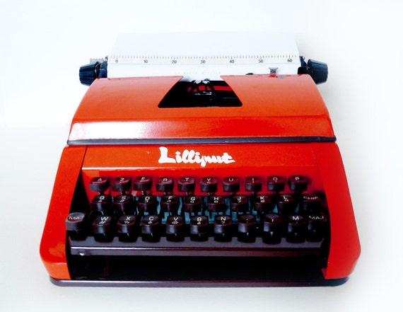 machine crire rouge lilliput pour enfants 1975. Black Bedroom Furniture Sets. Home Design Ideas
