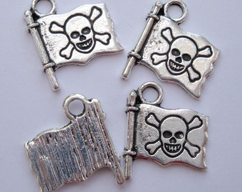 Pirate flag charms antique silver pack of 10 CS042
