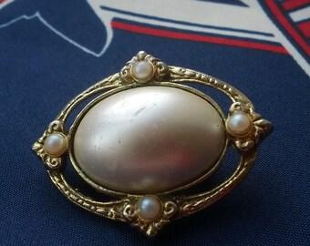 Faux Pearl Vintage Brooch