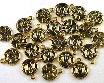 6x Vintage Gold Plated Libra Charms - M029-B