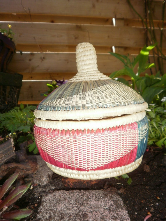 Traditional Small Wicker Basket With Liner&handle : Ethiopian small handmade basket with lid woven wicker
