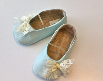 LUCIA baby girl shoes - Powder blue with lace bows