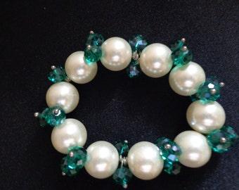 Pearl & Emerald Christmas Bracelet,Wedding Bracelet,Bridal Bracelet,Wedding Jewelry,Faux Pearl Bracelet,Holiday Jewelry,Christmas Jewelry