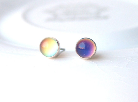 Small Mood Earrings Color Changing - Sterling Silver and Surgical Steel
