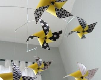 Yellow, Black and White Mobile / Crib Mobile / Baby Mobile / Nursery Decor / Pinwheels : Hello Yellow