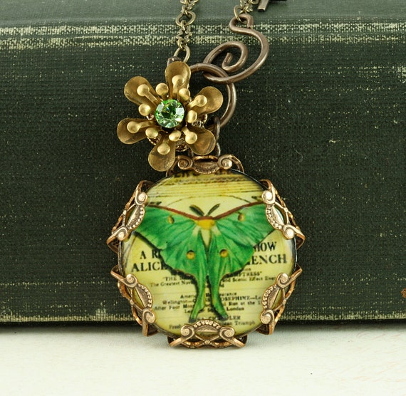 Luna Moth Necklace Green Butterfly Necklace Green Luna Moth Necklace Woodland Necklace Victorian Brass Filigree Necklace Flower