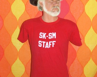 tee shirt vintage 70s SK-SM staff catholic high school jersey t-shirt Medium flock number 5 red
