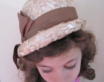 vintage Summertime Straw Cloche Hat with Brown Arrow Bow,  Union Made