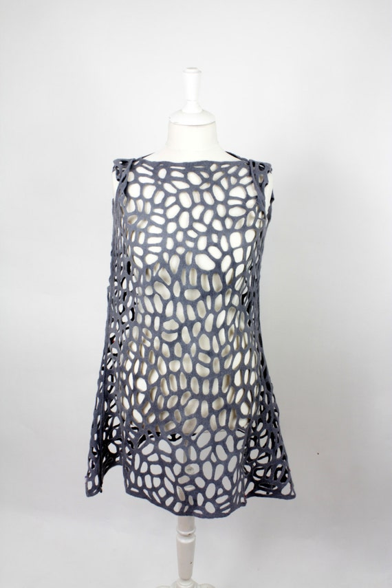 simple lace felted dress, fits size 12-14