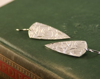 Ginkgo Leaf Arrow Head Earring Set In Fine Silver