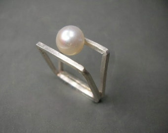 square sterling silver double ring with white freshwater pearl