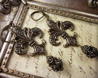 Black Fleur de Lys Earrings, Renaissance Jewelry, Fleur de Lis, Marie Antoinette, Renaissance Earrings, Tudor