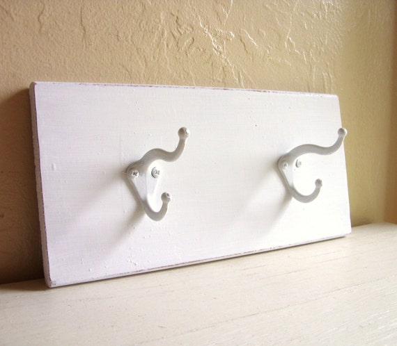 shabby chic white wooden wall hooks coat rack. Black Bedroom Furniture Sets. Home Design Ideas
