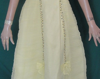 Vintage Yellow Gown Chiffon Ruched Prom Dress B34 Spaghetti Straps