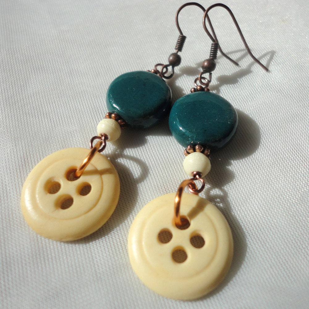 Button Earrings: Items Similar To Bead & Button Earrings: Wooden Vintage