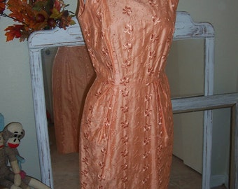Vintage 50's Embroidered Peach Cotton Sheath Dress 30Bust