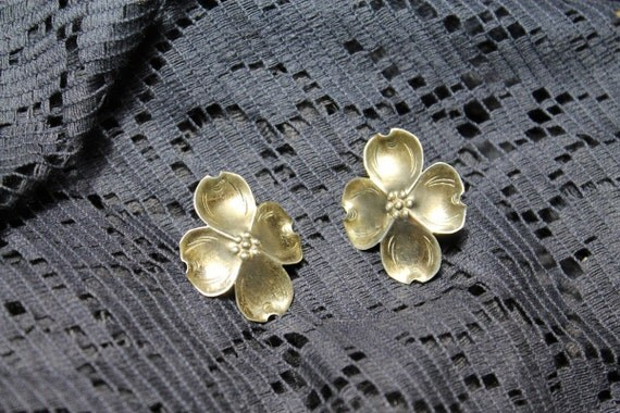 vintage 1950s sterling silver dogwood Stuart Nye earrings antique bridal wedding party prom gift