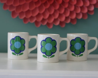 Vintage Blue and Green Daisy Mugs