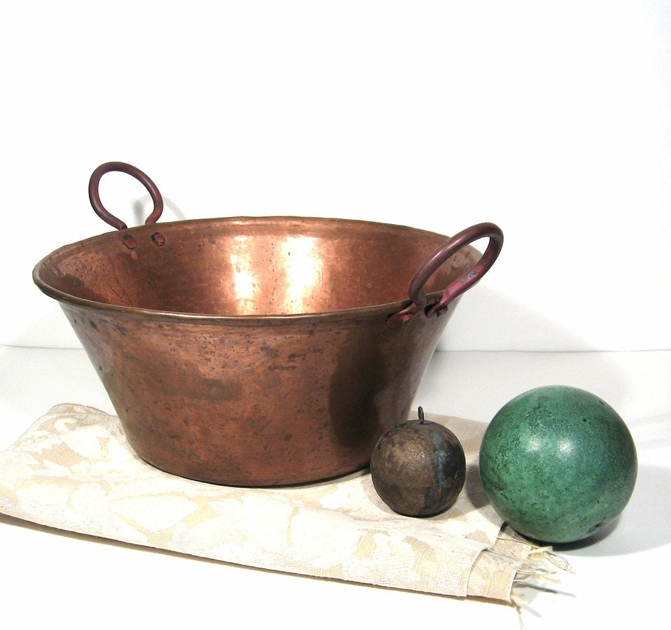 Karta en likewise Rene Magritte also Exeter as well Large Copper Pot Vintage Bowl Planter likewise Matthias Weischer. on mid century green
