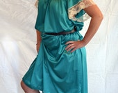 Vintage Plus Size Pinehurst Emerald Green Muumuu Dress