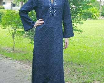 SALE 29 USD--B226--Wind from the sea  (Cotton tunic with pleats and flowers embroidery)