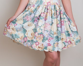 Scalloped Floral Skirt - Vintage 1980s Cotton Blend Pastel Skirt - XS