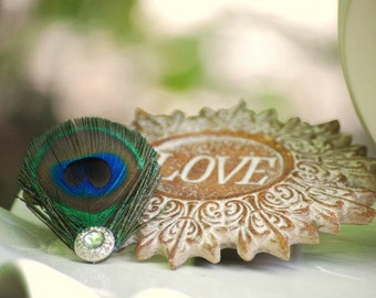 Peacock Hair Clip / Comb / Bobby Pin. Pearl / Rhinestone. Elegant Big Day, Shabby Chic Accessory. Girly Preteen Teen Birthday Party